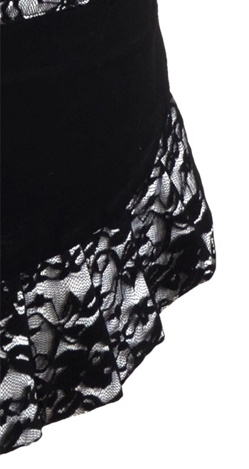 Black-Lace-Red-Bow-Apron-Close
