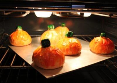 Pumpkin Bread Bowls Oven-1
