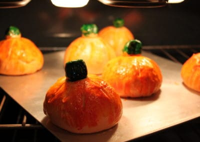 Pumpkin Bread Bowls Oven-2